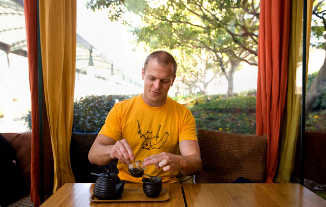 Tim Ferriss wearing WilloToons Rocksquirrel tee for Wired Willo